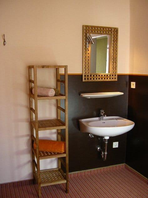 Waschtisch Zimmer 5